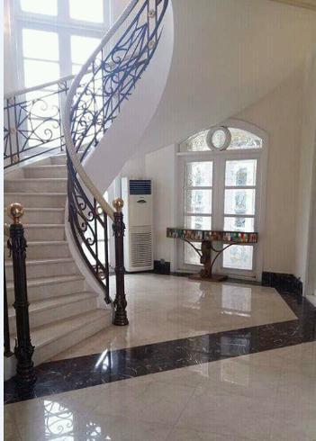 Lantai dan tangga